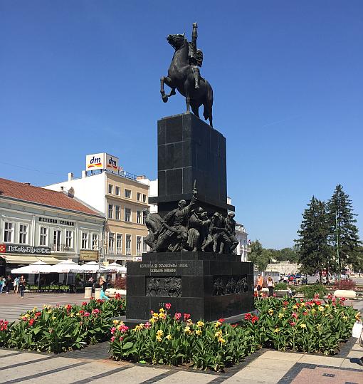 Niş Şehiriçi, Kral Milan Anıtı, Sırbistan